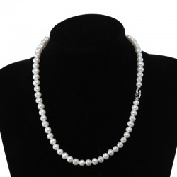 Collana classica di perle semi-tonde